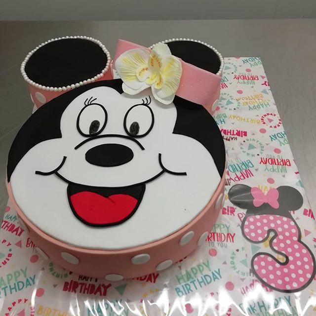 Minnie Mouse🐁_#birthdaycake #pastrychef