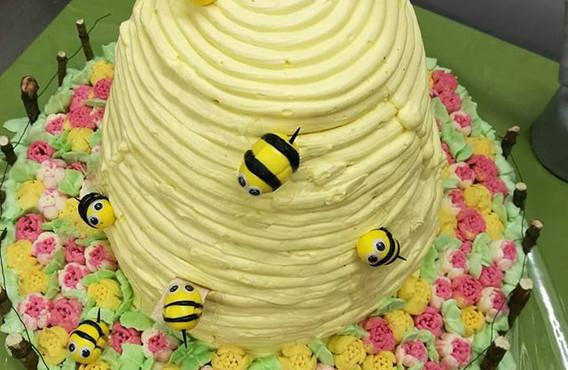 Beehive cake... Bzzzzzzzzz 🐝 zum 80er_#