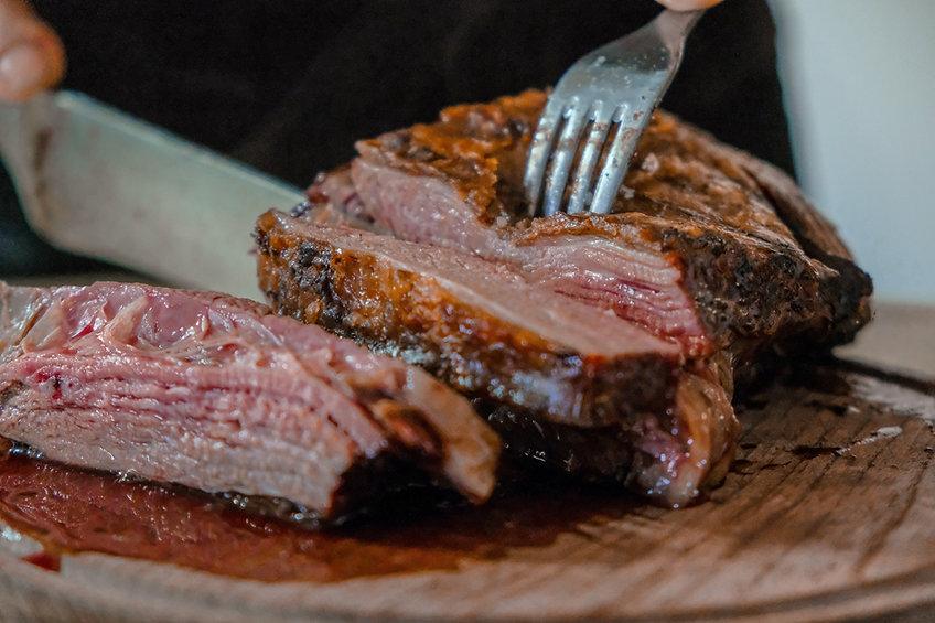 Clásico vacío de todos los domingos, el mejor asado lo hace mi viejo. _)____The classic roast of eve