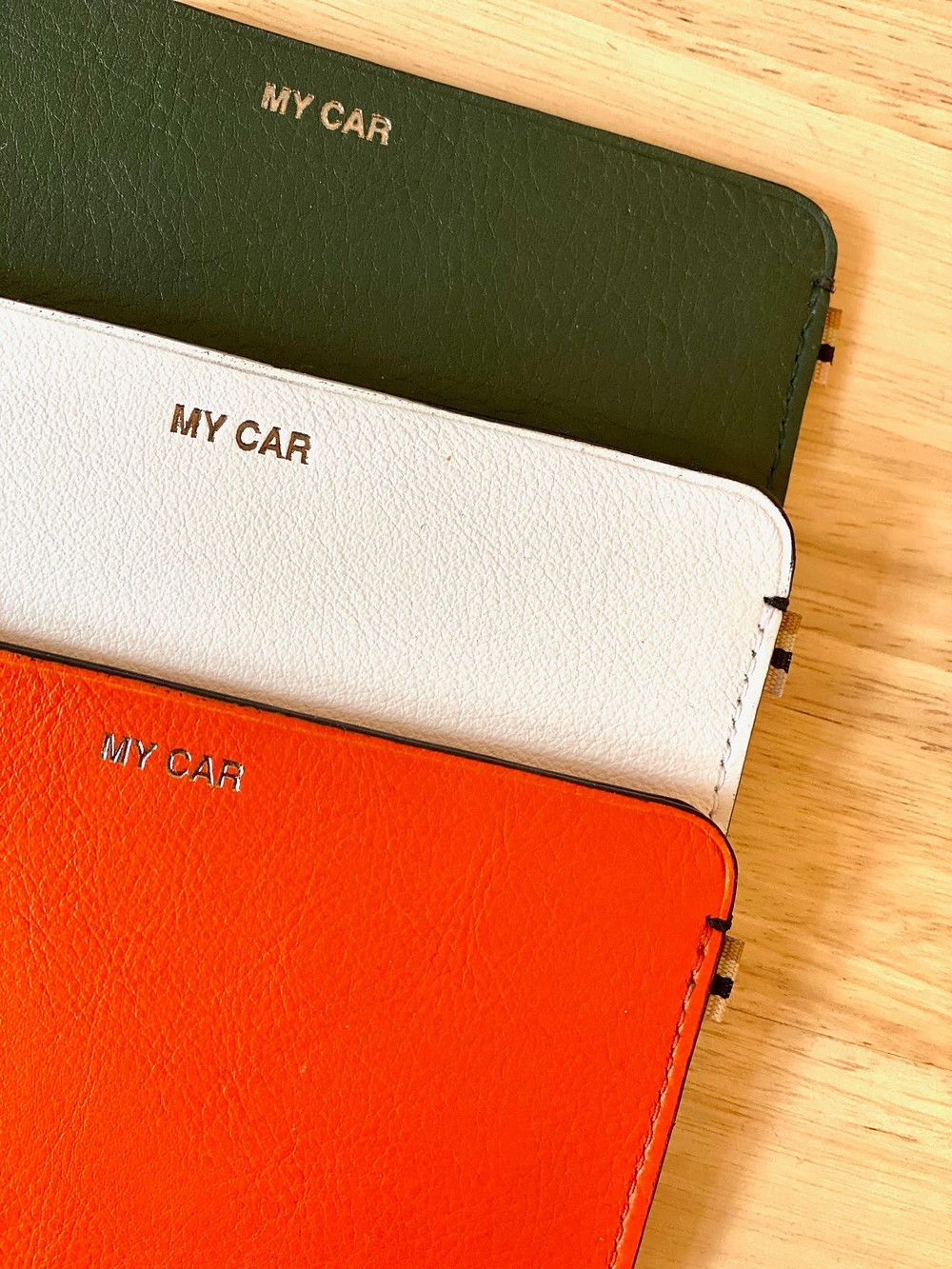 MY CAR - MLS-MarieLaurenceStevigny slim leather wallet - grey, off-white and orange