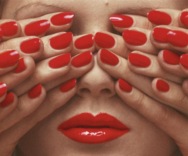 Red nails - Guy bourdin - photography
