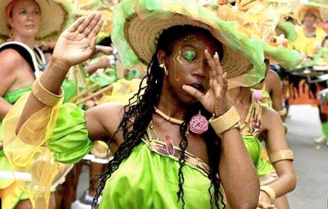 Carnaval tout en couleurs chez Envie d'Ailleurs