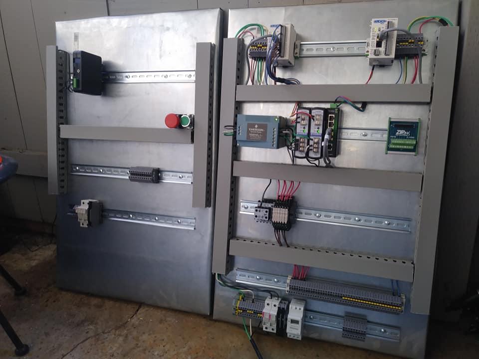 PLC controls escape room with audio