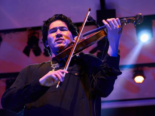 Iskandar Widjaja Hadirkan Musik Klasik Kontemporer dalam Konser 1001 Lights