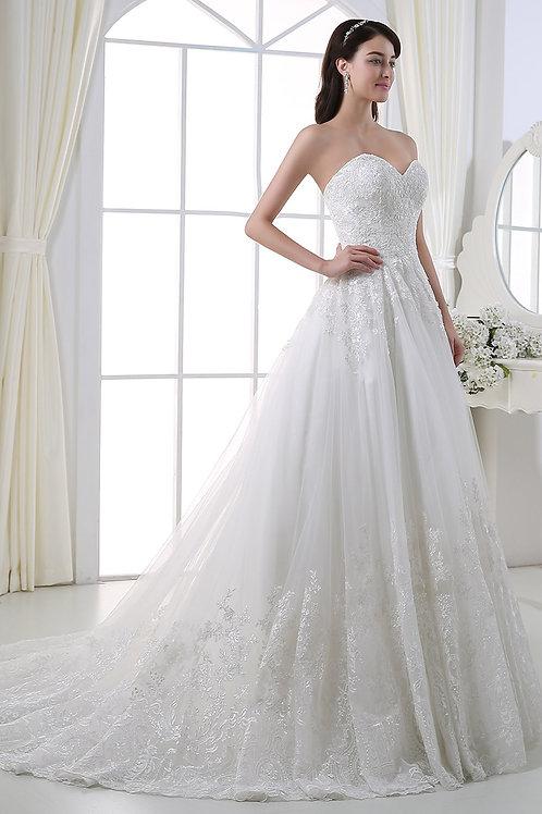 Couture Brautkleid aus edler Spitze