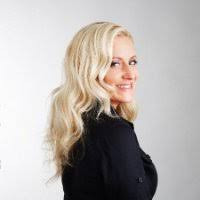 Vanessa Vershaw - CEO of Reinvention (Think magician for organizations)