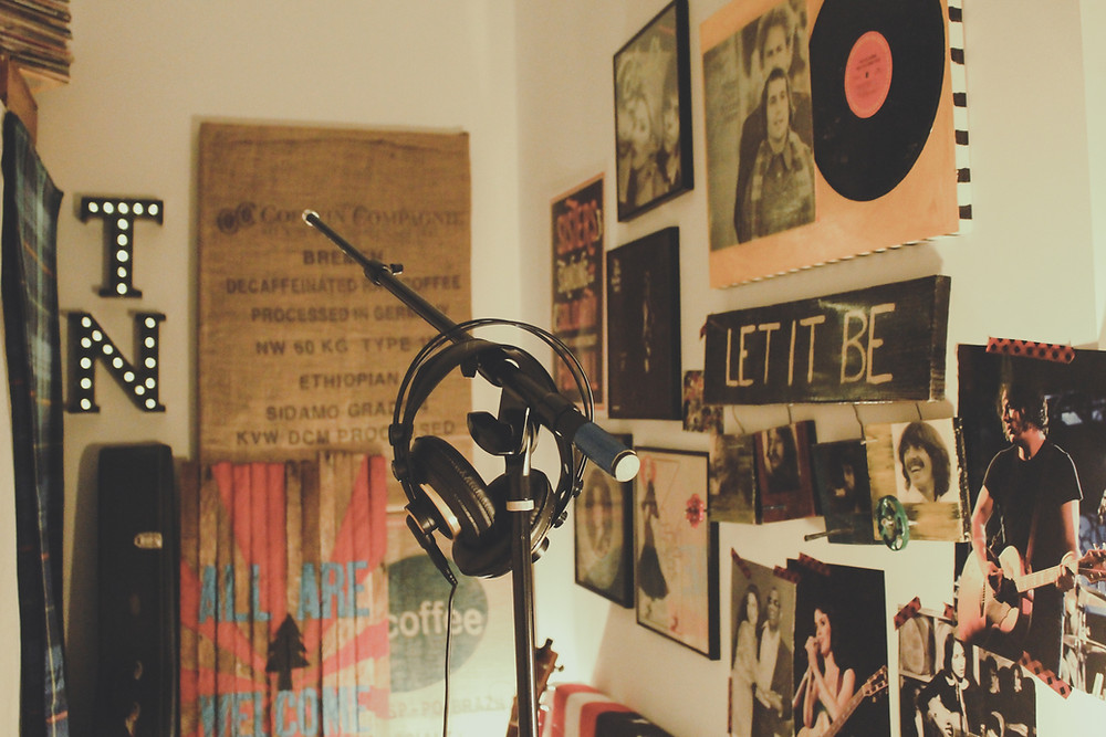 a picture of a room decorated with music items