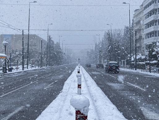 Η χιονισμένη Αθήνα μέσα από το φακό της Μαριτίνας και του Steve