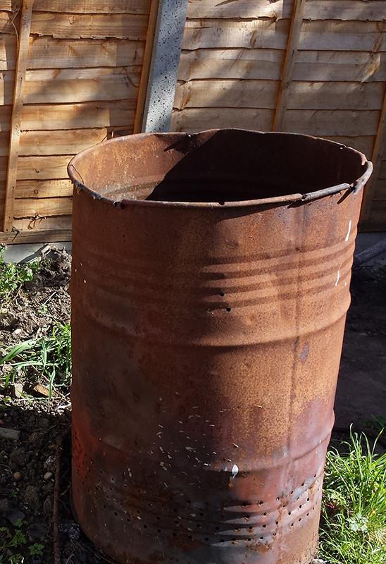 Sarah Rees Garden Blog Pic 4 oil drum.jpg