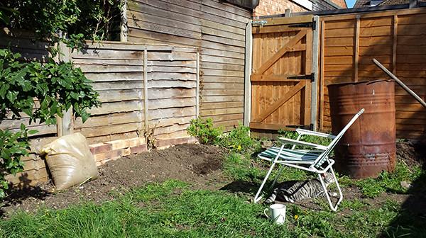 Sarah Rees Garden Blog Pic 49 flower bed creation.jpg