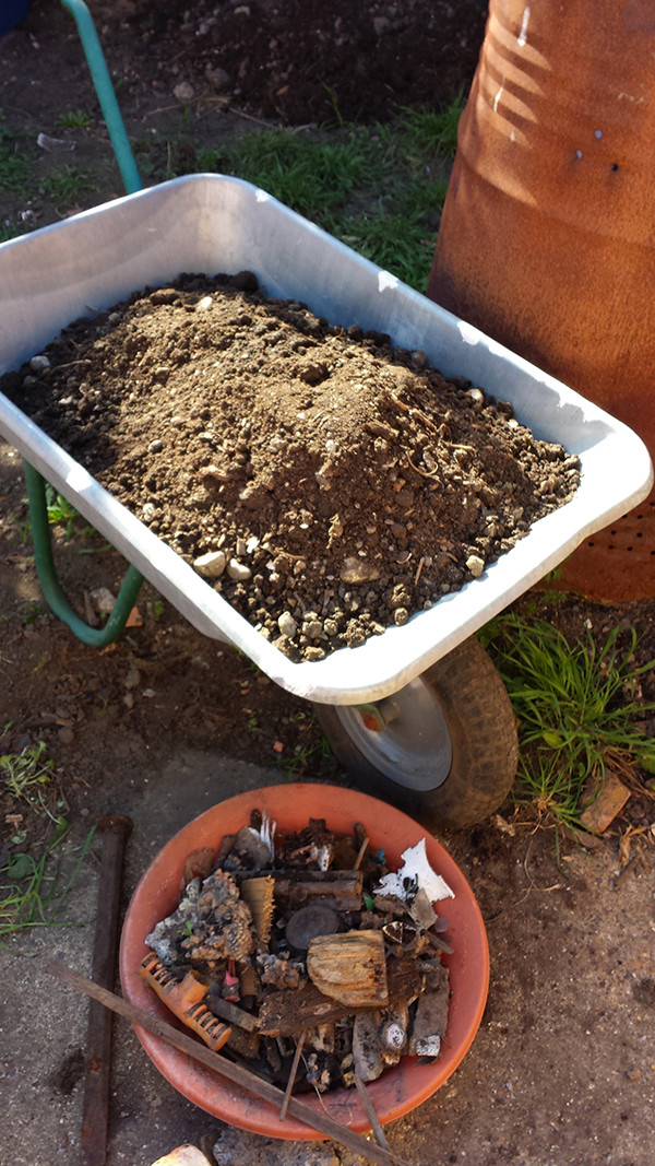 Sarah Rees Garden Blog Pic 42 rubbish in soil.jpg