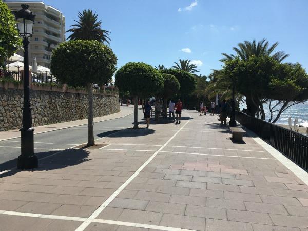 promenade behind the hotel fuerte marbella back gate