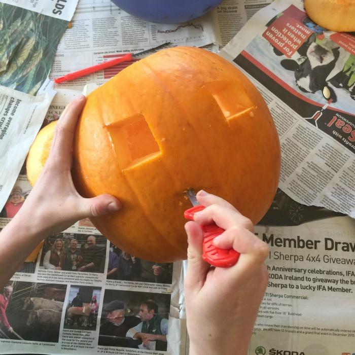 how to carve a pumpkin 6