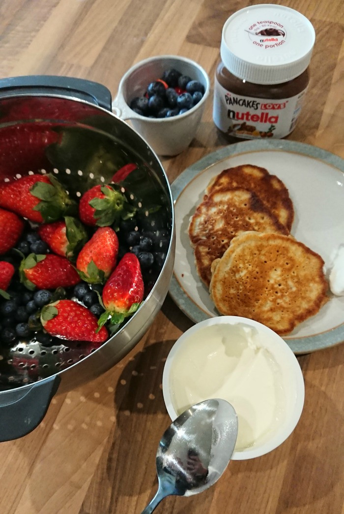 nutella pancakes - toppings