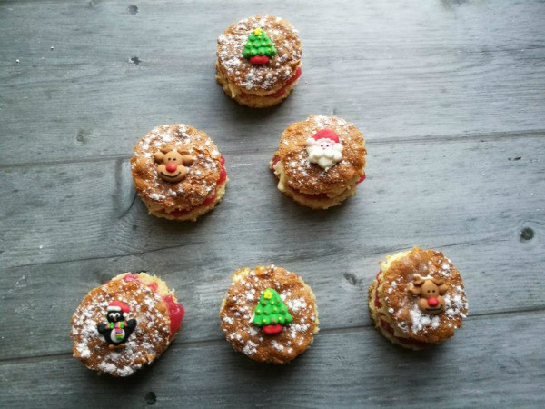 orange and cranberry christmas cakes for kids