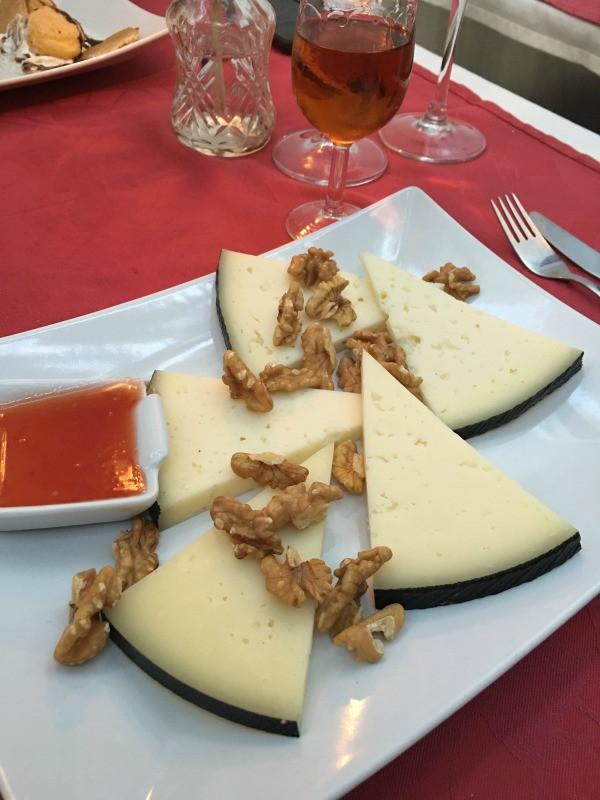 El Patio de Mariscal cheese