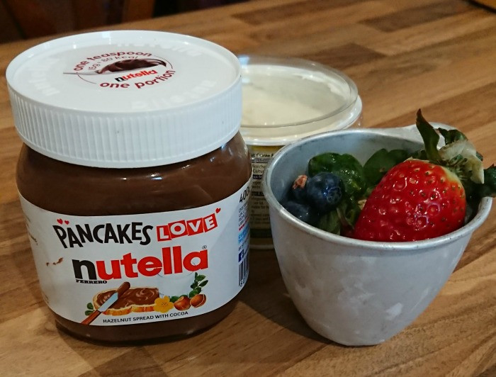 nutella pancakes - toppings ready