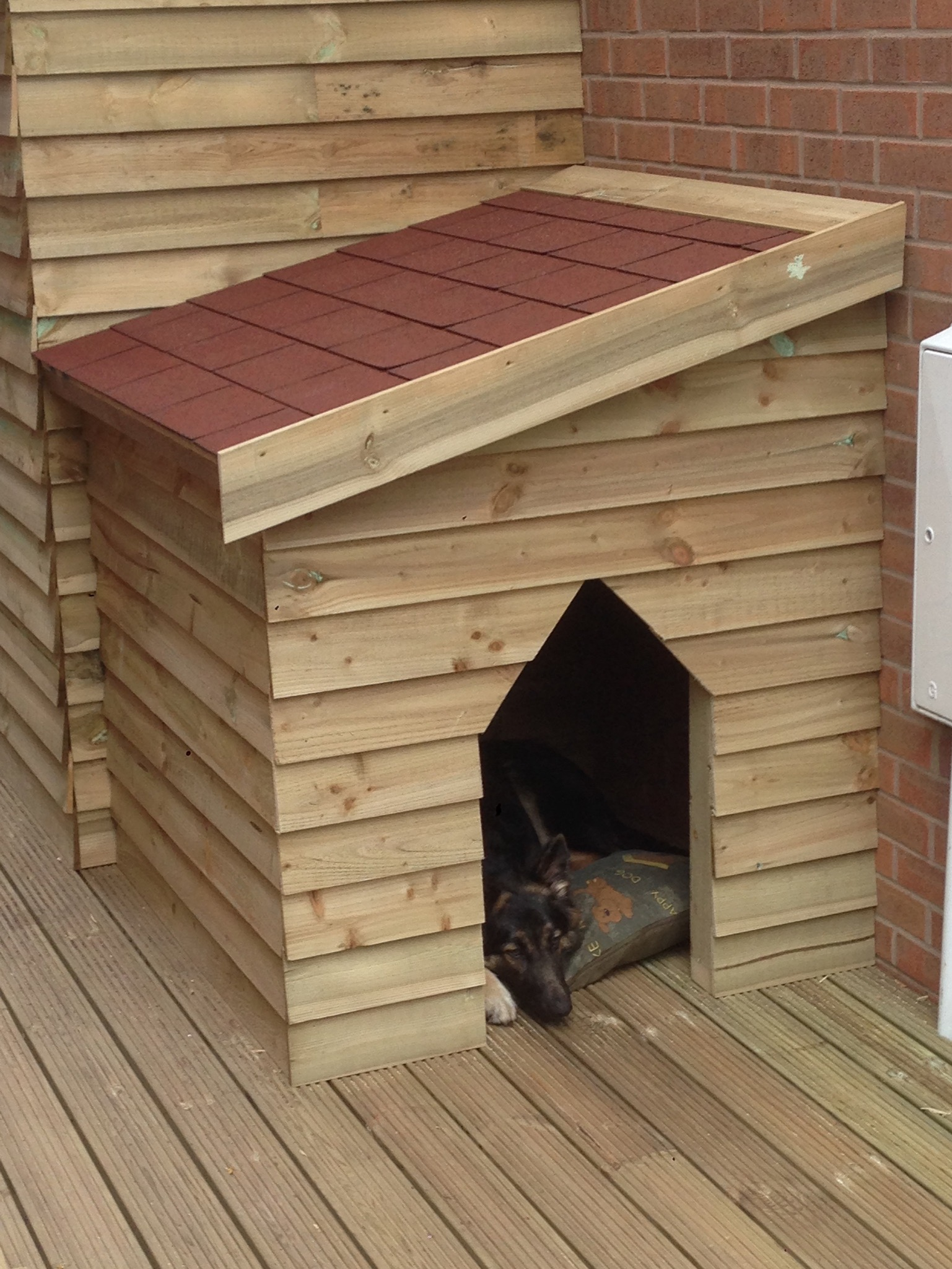S.T. Joinery Bespoke Doghouse