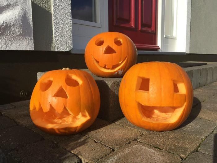 how to carve a pumpkin 10