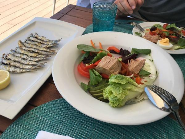 spanish salad with tuna