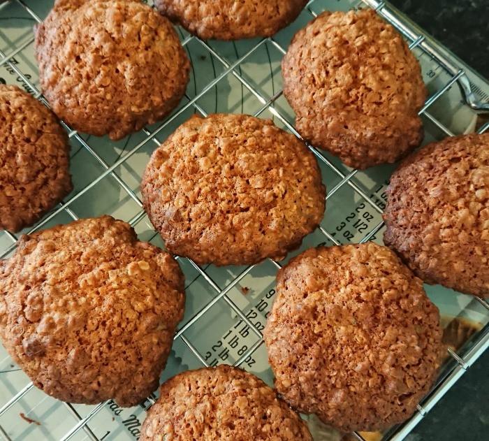 opies biscuits