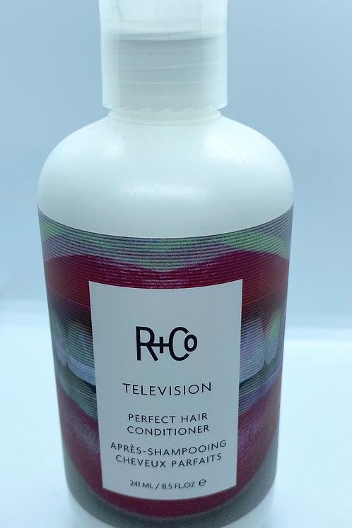 R+Co Television Conditioner (241ml)