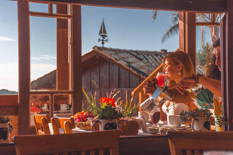 cafe da manha com vista do mar