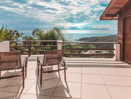 A POUSADA CAMINHO DO REI, na Praia do Rosa, transmite sensações diversas de encantamento e bem-estar