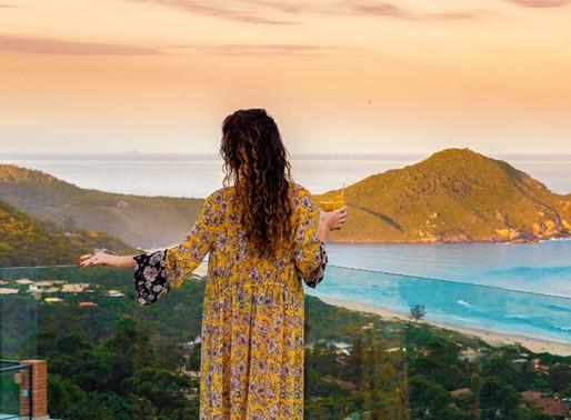 A Pousada Caminho do Rei harmonizada com a admirável Praia do Rosa resulta em férias dos sonhos.