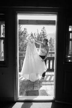 Nicole-Lynn Photography - Banff Wedding (4)