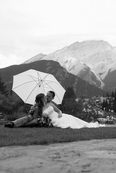 Nicole-Lynn Photography - Banff Wedding (35)