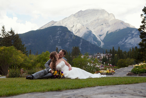 Nicole-Lynn Photography - Banff Wedding (33)