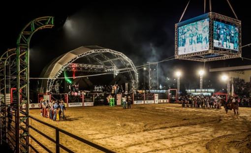 Arena de Rodeio e Telões
