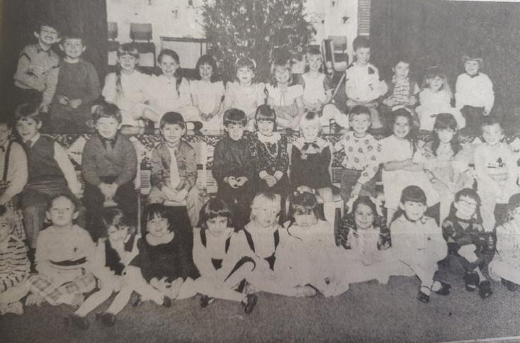 braidwood school p1+2 xmas party - 1984.