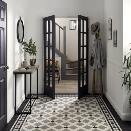 8 Decluttering Tips For Your Hallway