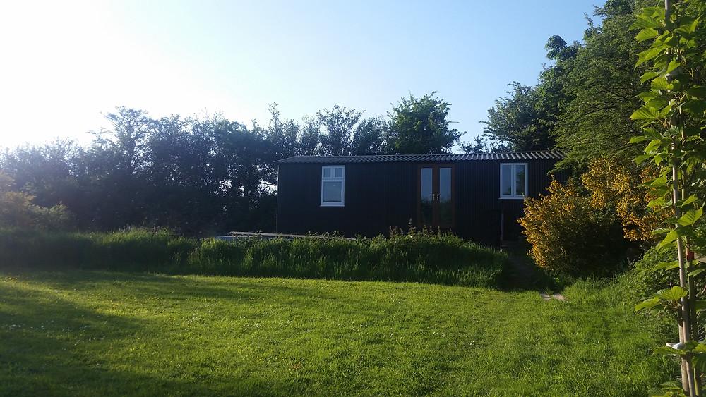 Cwt Ar Y Bryn Shepherd's Hut