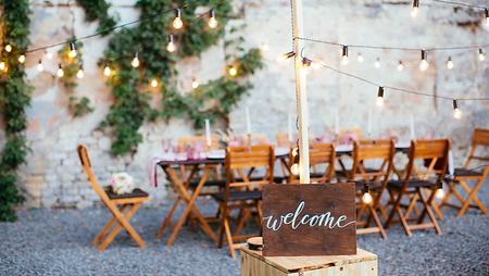 Contact wedding planner var