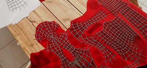 Fantasia (sublimada) Spider-man Tobey Maguire com kit teias e simbolos