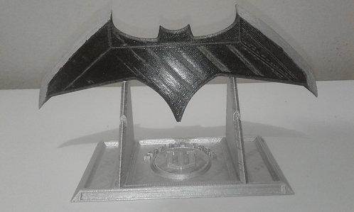 Batarang liga da justiça - Com Stand
