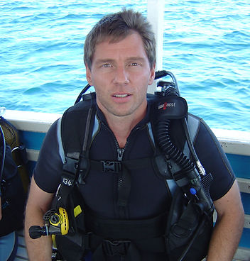 Stephen Shaw diving in The Maldives