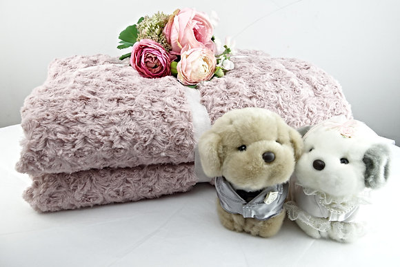 Belgium Fur Rose Plaid Pink (130 x 170 cm) - SALE