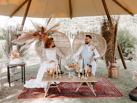 Tipi country wedding inspired by Lion King and the African savannah