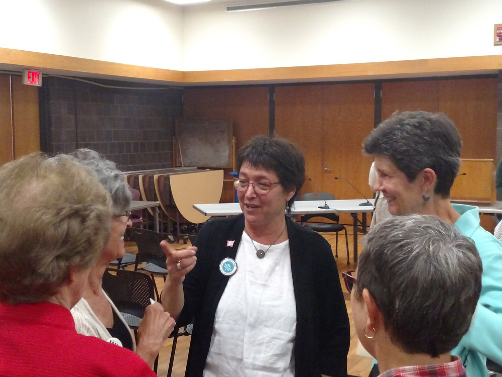 Mindy Domb speaks with constituents