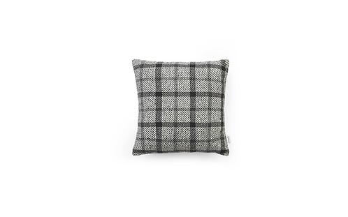 Flair Cushion 40x40 Black/White Mega Check