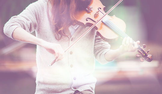 Outdoors%20violinist%20in%20a%20sweater_