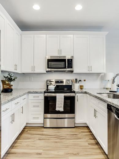 15-Kitchen.jpg