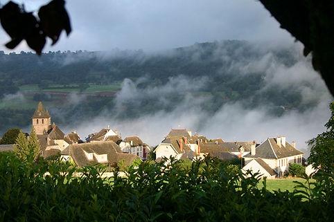 village rocher de la mule.jpg
