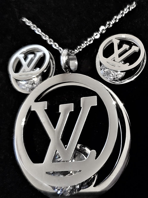CIRCLE OF LV LOVE NECKLACE SET