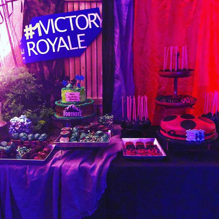 2 out 3 dessert table last weekend !_Hap