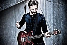 Acoustic Guitarist/Vocalist